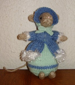 Une petite souris style Dickens pc280001-263x300